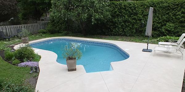 Piscines b ton ab piscine creus et b ton sur mesure - Contour piscine creusee ...